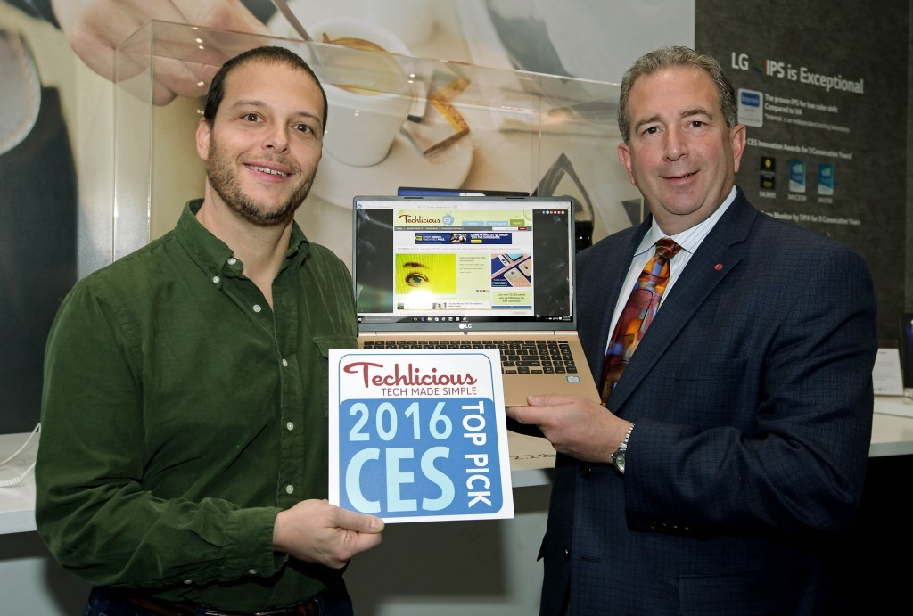 lg_ces_award_techlicious_laptop1-1024x691