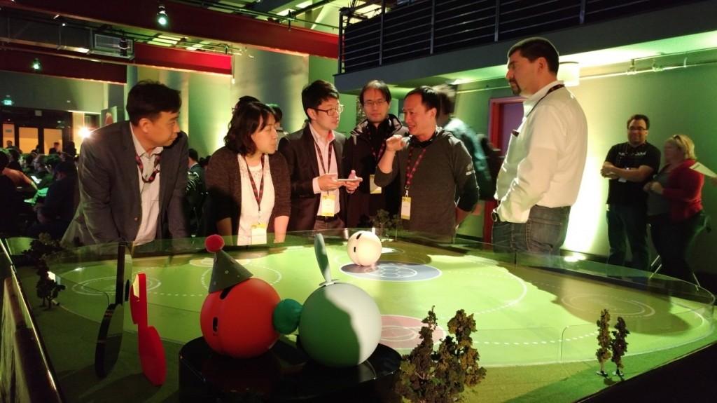 LG-G5-Friends-DevCon-03
