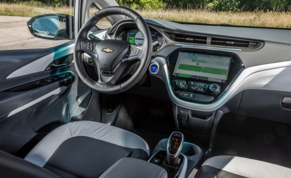 2017-Chevrolet-Bolt-EV-111-876x535