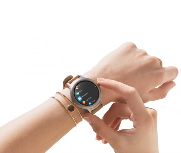05-rotating-side-button-1600x1350_Watch-Style_M01A