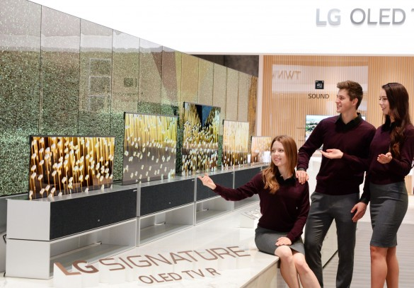 LG OLED TV R Booth 01