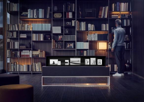 LG OLED TV R Line 01