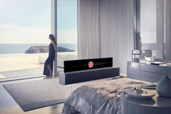 LG OLED TV R Line 02