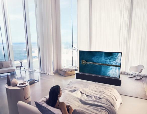 LG-OLED-TV-R-Full-02-e1546915602690