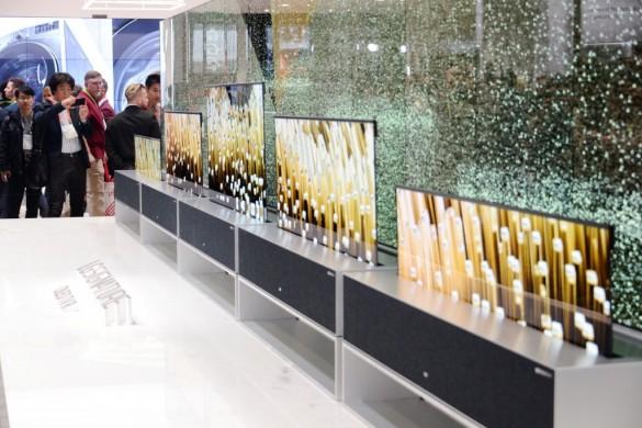 OLED-TV-R-01-1024x682-e1547350485147