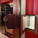 013-lg-thinq-home-door