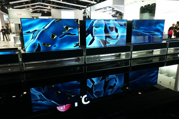 CES-2020-LG-SIGNATURE-OLED-TV-R-AND-THE-FOUNTAIN_5