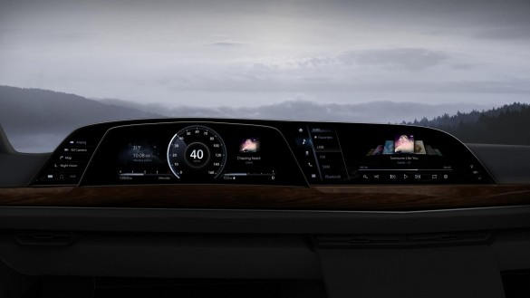 LG-P-OLED_Cadillac-01