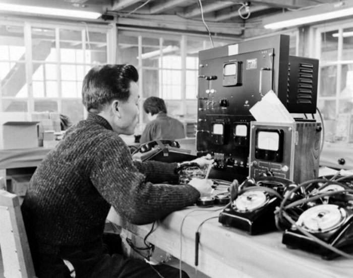 کارخانهی تولید تلفن ال جی در دههی ۱۹۷۰