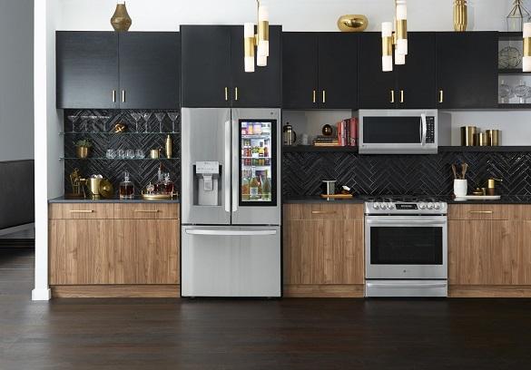LRFVS3006S_Full_Kitchen_60099-1290x900